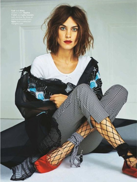fall-winter-trends-fishnet-tights-fashion-editorial