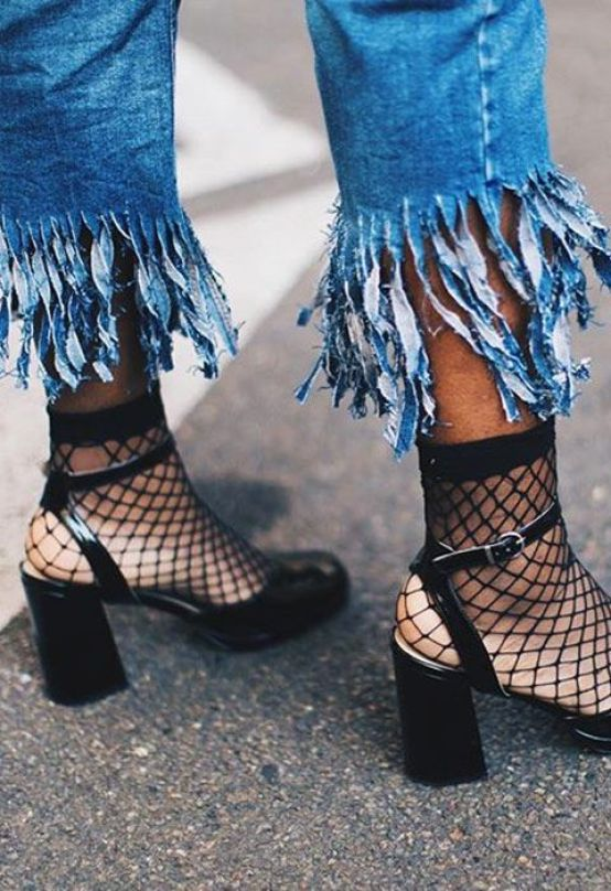 fall-trends-fishnet-tights-shoes-ootd-pamabelaproject